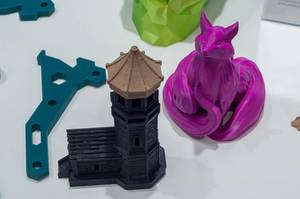 Different shapes printed with a IIIP 3D printer