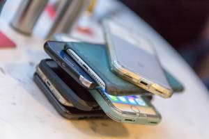 Digital Detox: Smartphone weglegen beim Essen