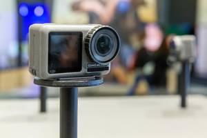 Digitale Actionkamera DJI Osmo Action für 11 Meter Wassertiefe und mit QS-Taste