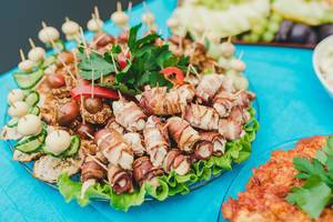 Dish Of BAcon Rolls, Salad And Tomatoes (Flip 2019)