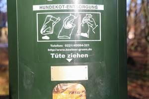 Dispenser for dog waste bag in Cologne green area