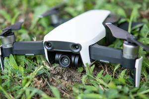 DJI Mavic Air drone in the grass (Flip 2019)