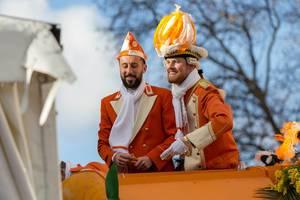 Dominic Maroh und Timo Horn als Appelsinefunke beim Rosenmontagszug - Kölner Karneval 2018