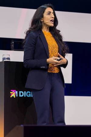 Dr Ayesha Khanna at Digital X in Cologne on stage