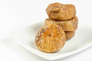 Dried Figs with white background (Flip 2019)