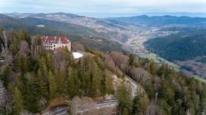 Drohnenaufnahme vom Felsenweg in den Südvogesen