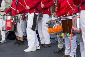 Drummers helping with the running rhythm - Cologne Marathon 2017