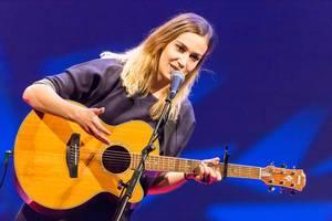 Dutch songwriter Marit Trienekens - TEDxVenlo 2017