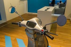 E-Mobilty: electric motor scooter Vespa Elettrica by Piaggio