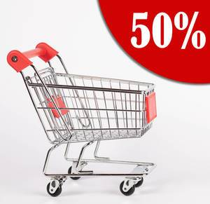 Ecke von rotem Kreis mit Text 50% Rabatt neben Einkaufswagen vor weißem Hintergrund