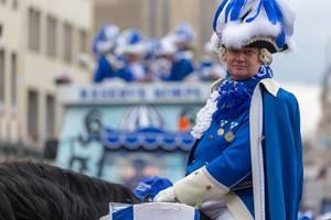 Ein Blauer Funke zu Pferd beim Rosenmontagszug - Kölner Karneval 2018