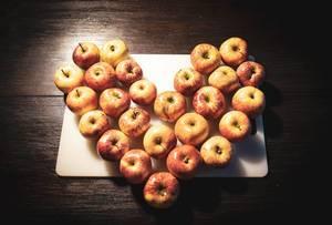 Ein Herz aus Äpfeln