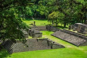 Ein Stadion der Maya