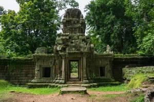 Ein Tor eines verlassenen Tempels in Cambodgia