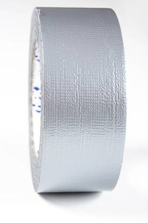 Eine Rolle graues Klebeband in der Nahaufnahme - Gaffer tape