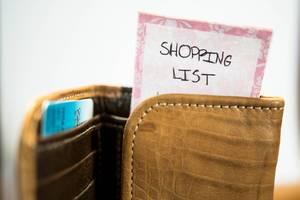 Einkaufsliste in einem Portemonnaie