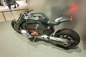 Electric bike Vision DC Roadster by BMW with exposed cardan shaft