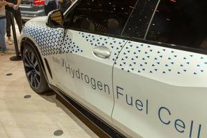 Electric car: BMW i Hydrogen Fuel Cell version of the X5 SUV