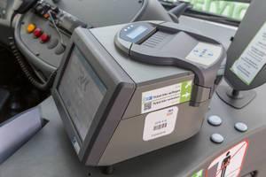 Elektronische Ticketkontrolle mit automatischem Fahrschein-Scan im Kölner Regionalverkehr und Stadtbussen