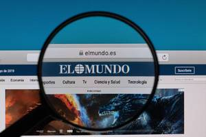 Elmundo logo under magnifying glass