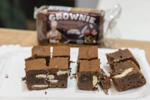 Energetischer Protein Brownie aus belgischer Schokolade, zum Testen auf der Gesundheitsmesse Fibo in Köln