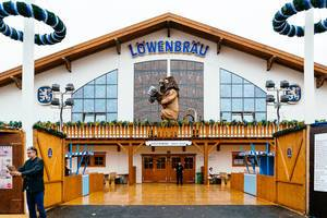 Entrance to Löwenbräu tent at Oktoberfest
