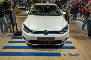 Environmentally friendly vehicles at German car show IAA: all-electric e-Golf by VW with and emergency assist and blind-spot sensor