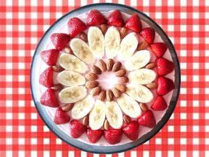 Erdbeerkuchen / Strawberry-banana cake