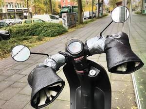Erfindung: Roller mit integrierten Handschuhen.