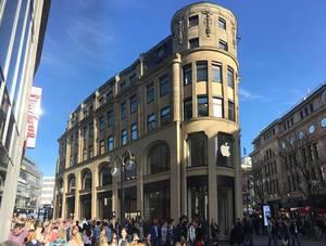 Eröffnung Apple Store Schildergasse Köln