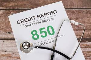 Excellent credit score of 850 with stethoscope