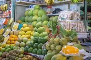 Exotische Früchte auf dem Touristenmarkt Ben Thanh in Saigon