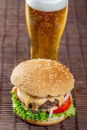 Fast food: hamburger and beer