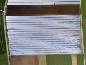 Felder under Folie aus der Vogelperspektive