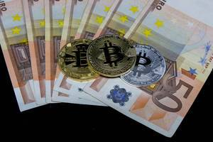 FIAT-Money (Euro) and Bitcoin