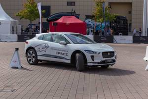 First electric car by Jaguar: test drive with the battery-electric crossover SUV I-Pace SE