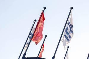 Flaggen der IFA bei Messe Berlin
