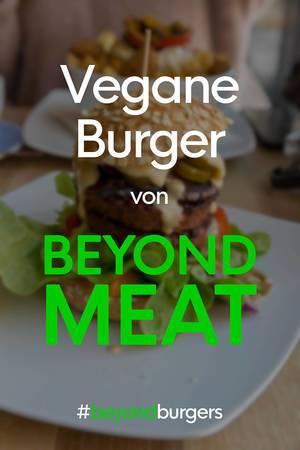 Foodblooger postet Instagram-Bild mit Hashtag #beyondburgers und dem proteinreichen, veganen Beyond Meat Burger von LIDL im Hintergrund
