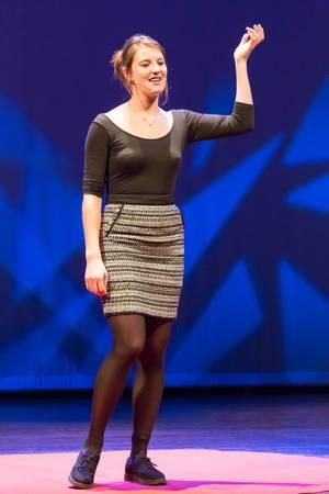 Frankie Dickens erklärt die Migrantenkrise - TEDxVenlo 2017