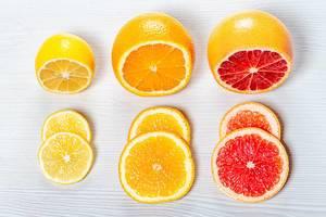 Fresh sliced orange, lemon and grapefruit (Flip 2019)