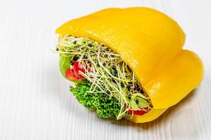 Fresh vegetable sandwich with bell pepper and micro greenery (Flip 2019)