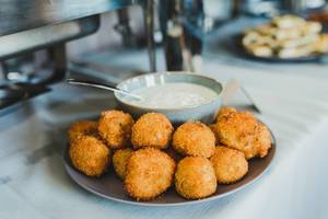 Fried Cheese Balls Served With Mayo Sauce (Flip 2019)