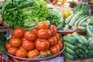 Frisches Gemüse auf dem Ben Thanh Markt in Saigon