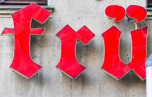 Frü am Eingang zum Restaurant Früh am Dom