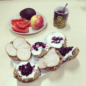 Frühstück ist fertig. #healthy #instarunner #breakfast #eatclean #sports #fitness #bvb #echteliebe