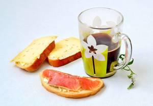Frühstück: Kaffee & Sandwiches