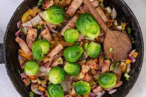 Frying Vegetables with Bacon and Brussel Sprouts (Flip 2019)