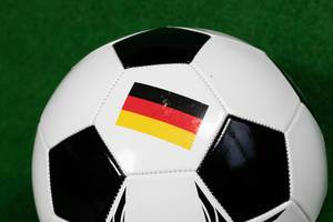 Fußball mit deutscher Flagge