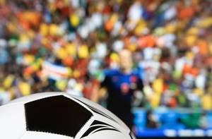 Fußballspiel auf dem Sportkanal