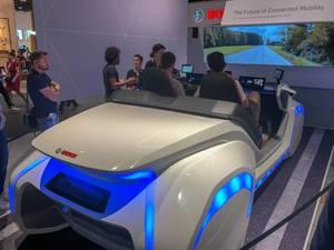 Futuristisch aussehender Fahrsimulator von Bosch